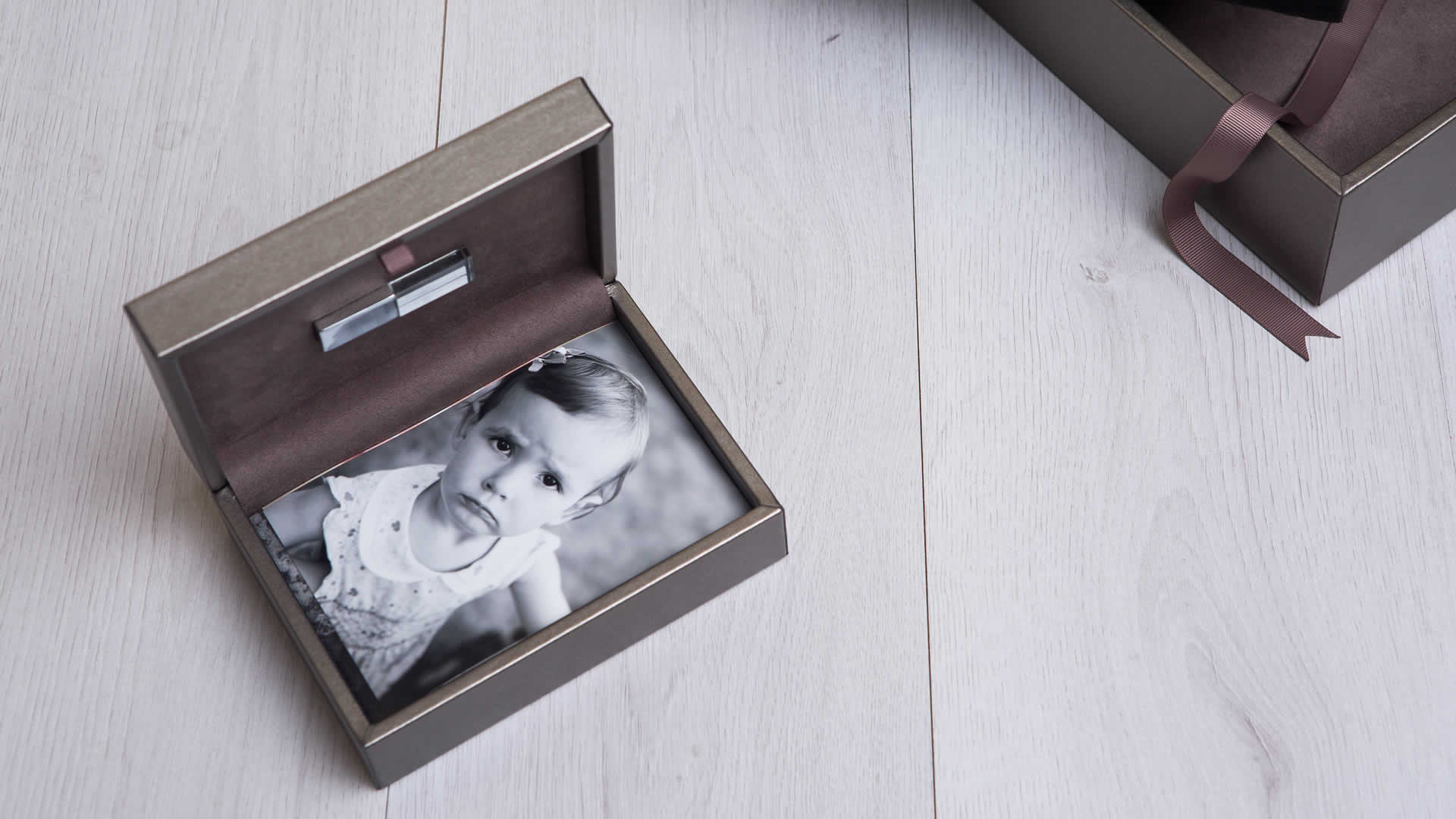 Premium Metallic 4x6 Print Box