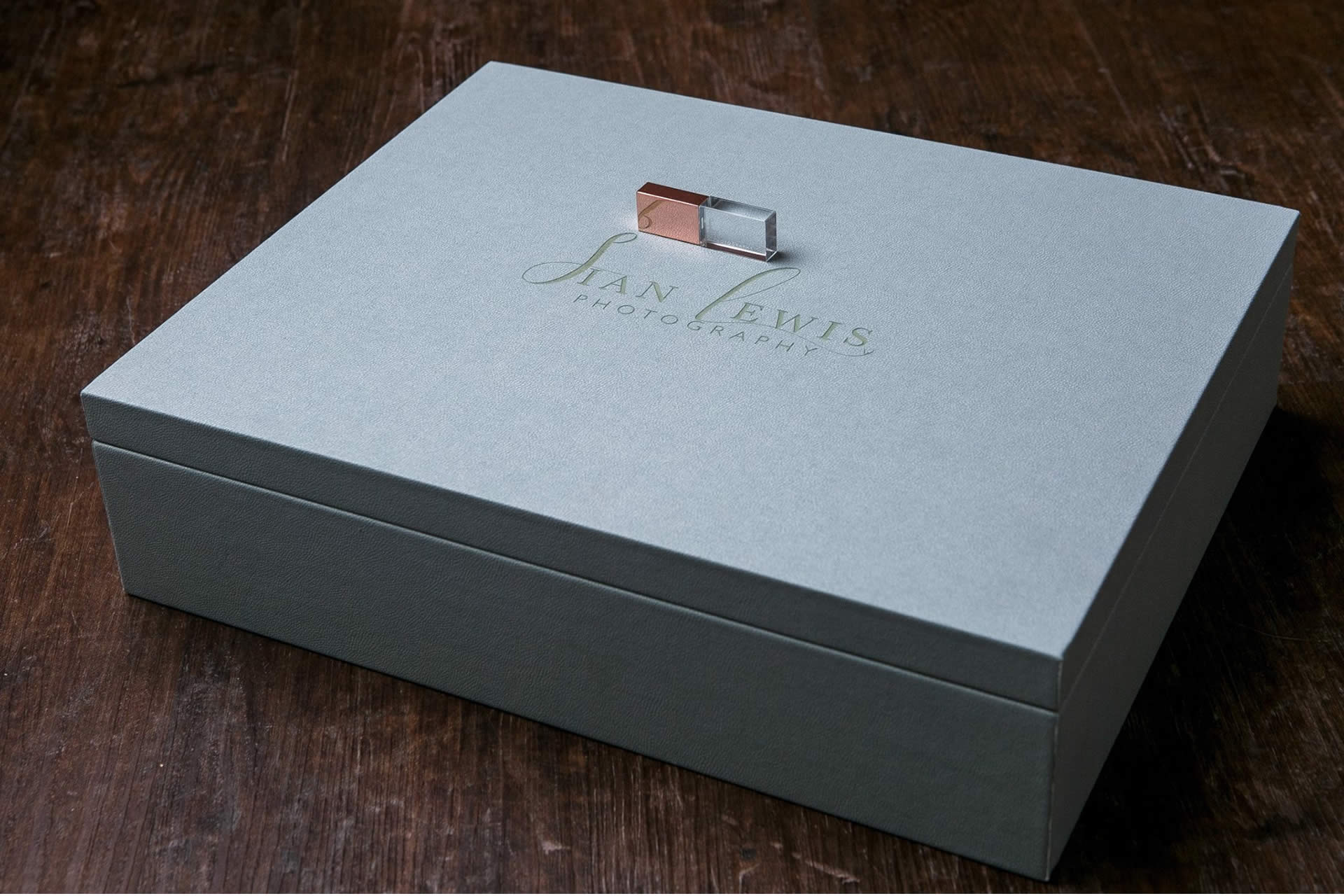 premium colors 11x14 folio boxes with usb flash drive for