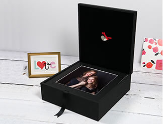 Premium Colours 13x13 Folio Box with USB