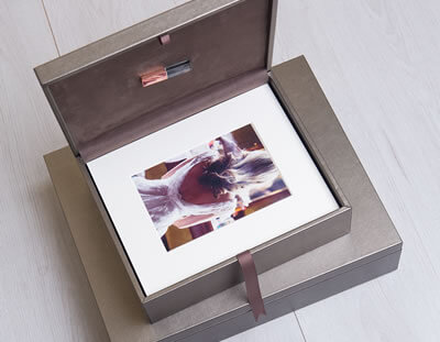 Premium Metallic Folio Box for photographers