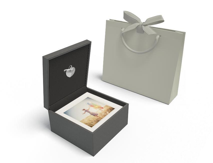 Premium Black 8x8 Box - Heart USB, White Mats, Grey Bag
