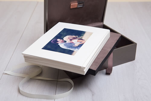 Premium Metallic 8x10 Folio Box with USB