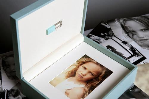 Coffret Folio Couleurs Premiums 20x25 avec clé USB