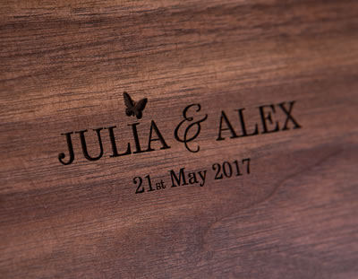 Engrave your wooden folio box