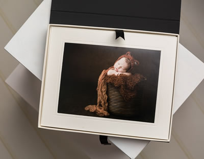 Signature mount box with mounted newborn print