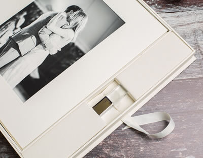Ivory Mount Box with USB for Photographers