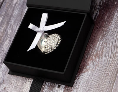 Black USB Box with Jewelled Heart USB flash drive