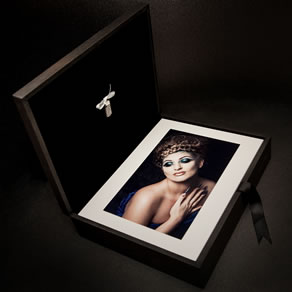 Premium Colours Black 14x11 Folio Box